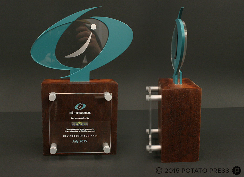 custom-corporate-trophy-custom-timber-trophy-north-america-USA