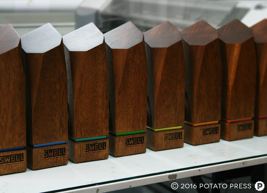 swell-sculpture-custom-timber-trophies-gold-coast-australia-usa-potato-press-4